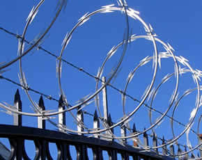 Security Razor Barbed Wire Fence pictures & photos