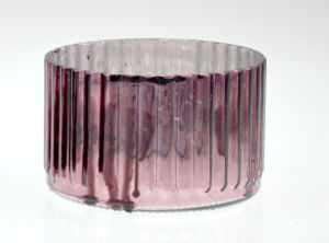New Design Cylindrical Burgundy Candle Holder (DRL15078) pictures & photos