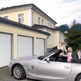 Top Quality with European Standard Sectional Garage Door pictures & photos