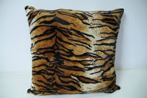 100% Polyerster Soft Velvet Cushion with Animal Design pictures & photos