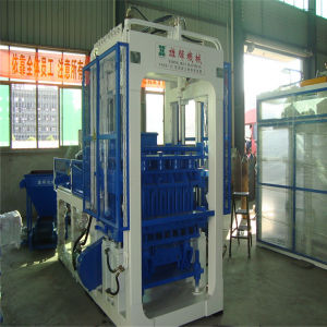 Fully Automatic CE Approved Concrete Making Brick Machine (XH06-15)
