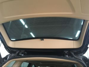 Mesh Fabric Side Window Car Sunshade with Clip Part pictures & photos