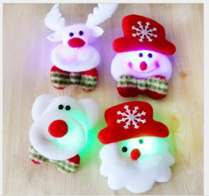 Christmas Flash Fabrics Brooch Santa Claus Shine Fashion Brooch Christmas Decoration Gifts Mix Style pictures & photos