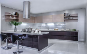 Modern UV High Glossy Kitchen Cabinet (ZX-003) pictures & photos