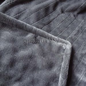 Wholesales Brown Flannel and Hand Washable Electric Heated Throw pictures & photos