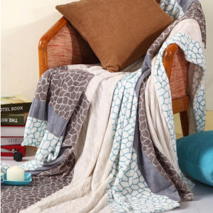 High Quality Thick Soft Solid 100% Polyester Flannel Blanket pictures & photos