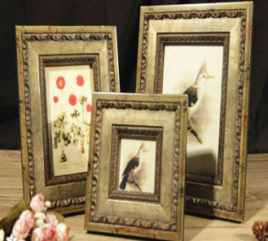 Country Wood Photo Frames for Home Decoration pictures & photos