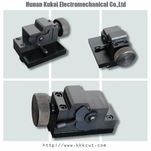 China Best Seller Single- Sided Standard Key Clamp for Sec-E9 Fully Automatic Key Duplicating and Cutting Machine for Single-Sided Standard Key pictures & photos