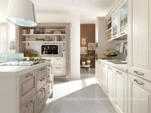 2017 Best Renovation Classic Solid Wood Kitchen Cabinet with Shaker Shape pictures & photos