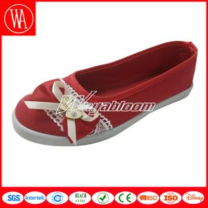 Women Flat Casual Canvas Shoes with Lace Bowknot pictures & photos