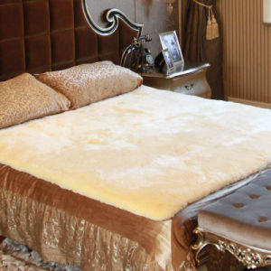 Genuine Australian Sheepskin Underlay/ Bed Pad pictures & photos