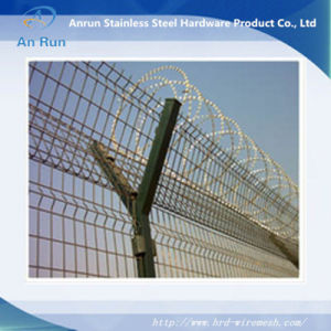 Airport Protection Column Mesh Made of Weld Wire Mesh pictures & photos