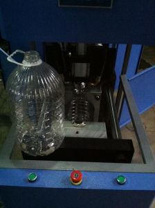 Cheap Price Semi Automatic 5liter Pet Bottle Blowing Machine pictures & photos