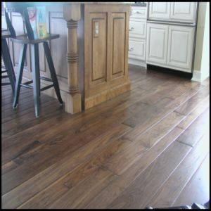 Engineered American Black Walnut Wooden Flooring pictures & photos