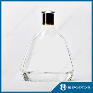 700ml Classic Glass Liquor Bottle (HJ-GYTN-C05) pictures & photos