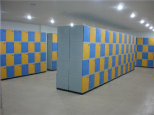 Modern Style Plastic Gym Locker with 4 Tiers (JS38-4) pictures & photos
