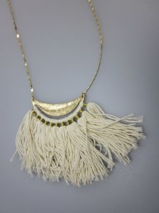 Alloy Fashion Necklace with Polyester Pendant, Fashion Women Necklace pictures & photos
