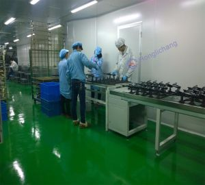 Spray Painting Room in Automatic Robot Painting Shop pictures & photos