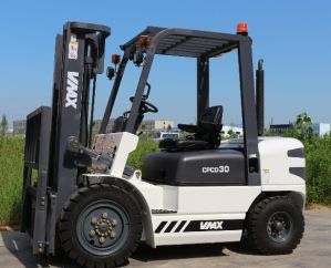 3 Ton Loading Capacity Electric Forklift with Ce pictures & photos