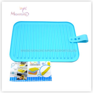 29.5*22.5*0.6cm 113G Coaster/Mat, Silicone Pad for Thermal/Heat Insulation pictures & photos