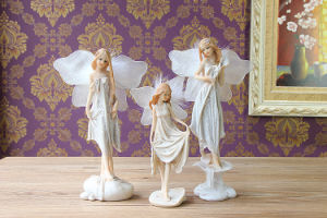 Resin Figurine Sweet Angelic Fairy and Cherub pictures & photos