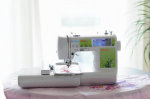 Functional Household Computerized Sewing and Embroidery Machine Made in China Factory Price Wy1300 pictures & photos