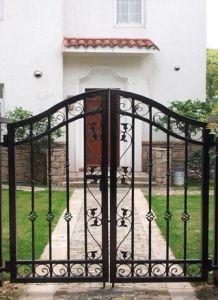 2016 Luxury European Style Metal Wrought Iron Gates Design pictures & photos