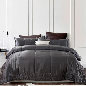Thx Black King Size 100% Silk Comforter pictures & photos