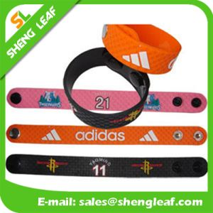 Factory Directly Custom Design Silicone Rubber Bracelet pictures & photos