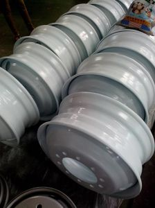 China High Quality Steel Wheel Rim for Semi Truck (19.5X6.00) pictures & photos