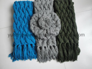Wholesale Lady Winter Warm Knitted Acrylic Set pictures & photos