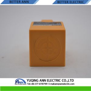 Lmf8 Angular Column Type Inductive Proximity Sensor Switch pictures & photos