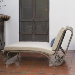 Well Furnir Steel Frame Sun Bed Double Chaise Lounge with Cushion pictures & photos