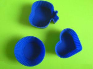 FDA Grade Heart Shape Silicone Cup Cake Baking Pan pictures & photos
