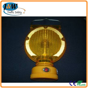 Road Barricade Solar Warning Lamp with CE Certificate pictures & photos