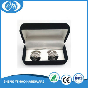 Customized Design Shinny Polished Cufflink for Wedding pictures & photos