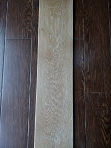 Guangzhou UV Anti Scratch Natural Color Oak Engineered Flooring pictures & photos