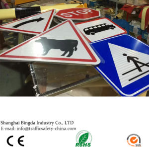 Aluminum Reflective Sheeting Triangle Road Customer-Made Traffic Safety Signs for Sale pictures & photos