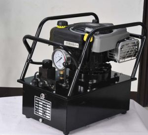 Ultra-High Pressure Hydraulic Pump Driven by Gasoline Motor pictures & photos