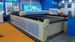 Jq1630 Fabric Laser Cutting Machine pictures & photos