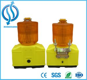 Road Safety Flashing LED Solar Warning Light for Traffic Cone pictures & photos