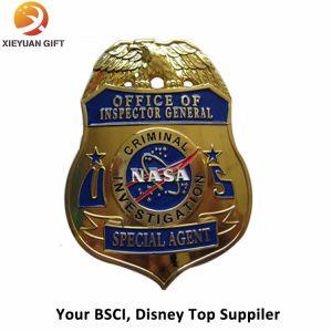 Nolvety Custom Plating Antique Gold Badges Wholesale Souvenir pictures & photos
