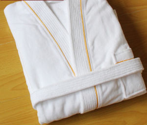 High Quality 100% Cotton Hotel Soft Cut Pile Bathrobe pictures & photos