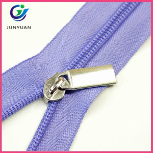 Metal and Plastic Puller Nylon Zipper pictures & photos