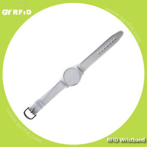 RFID Watch Tag Made with Clear Plastic Supports 4color Printing (GYRFID) pictures & photos