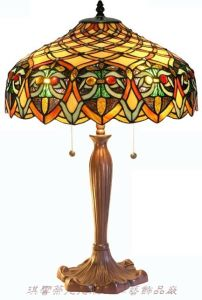 Europe Style Tiffany 18′ Table Lamp