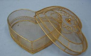 Plated Gold Wire Baskets in Heart Shape for Gifts (SMD-9915)