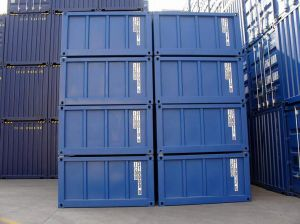 20′ Half Heights Stacked 2 High Container pictures & photos