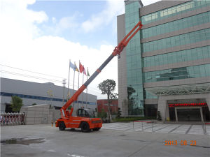 China 10ton Mobile Telescopic Crane with Bunlde of Slab pictures & photos