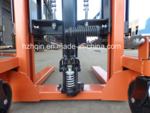 1.5t Hand Stacker pictures & photos